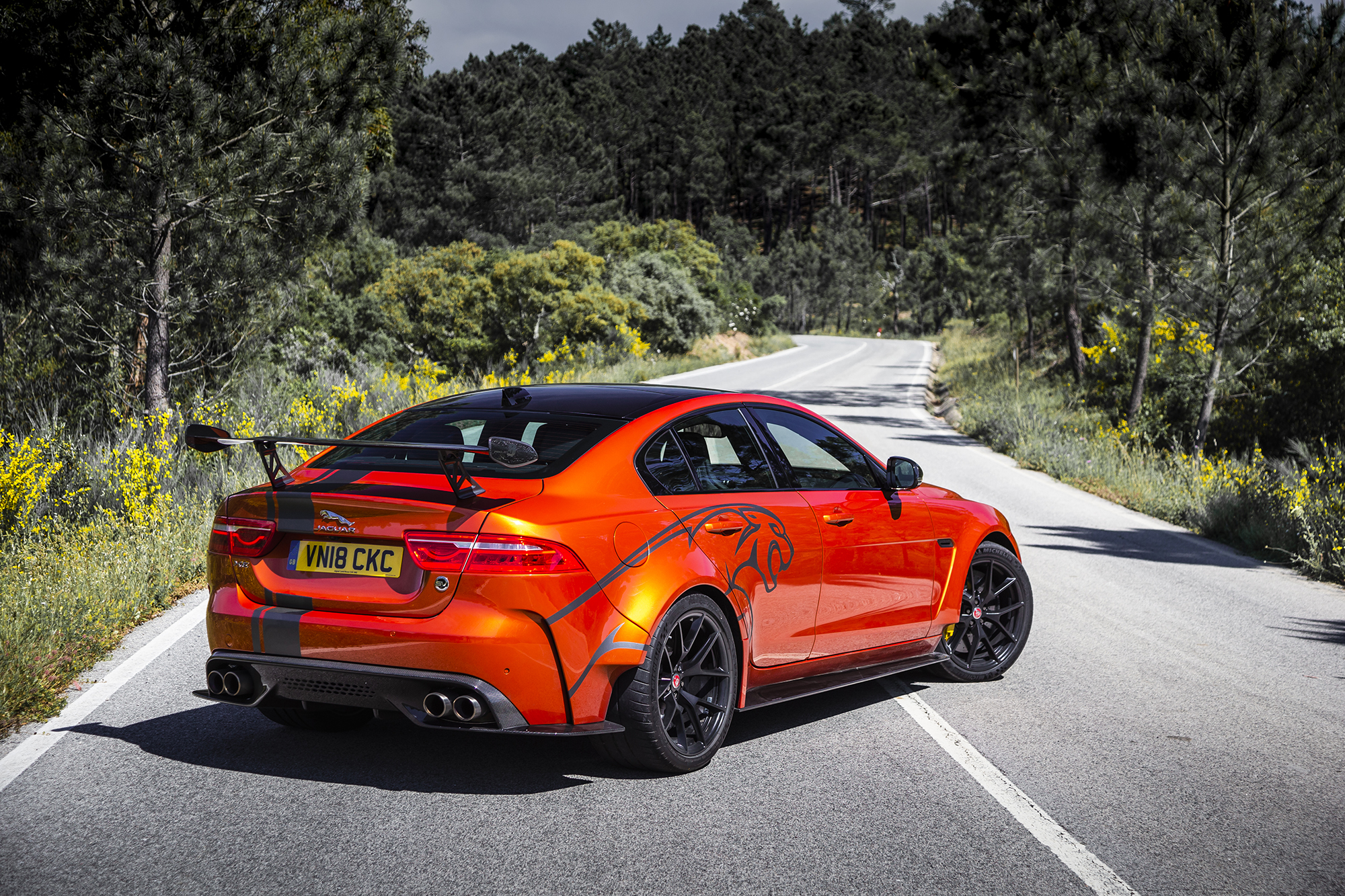 Jaguar XE SV Project 8-1691